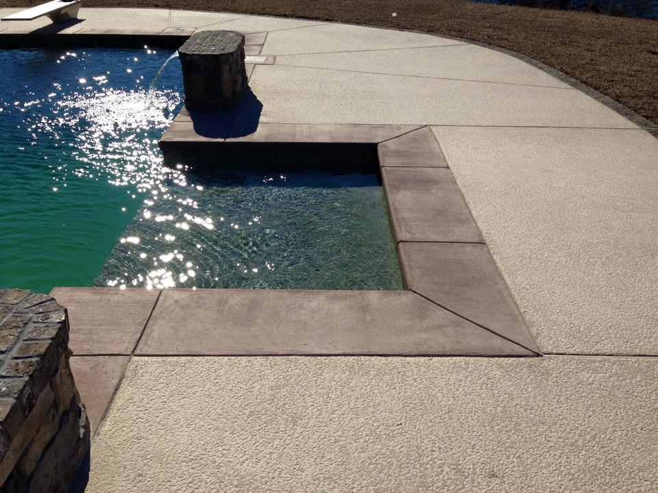 Concrete Pool | Tanning Ledge