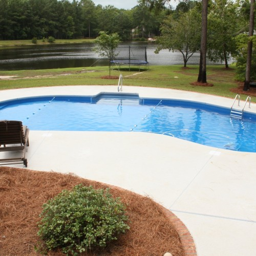 Vinyl Liner Pool | Vinyl Kidney Pool | Custom Pool Builder | Statesboro, GA | Thompson Pools