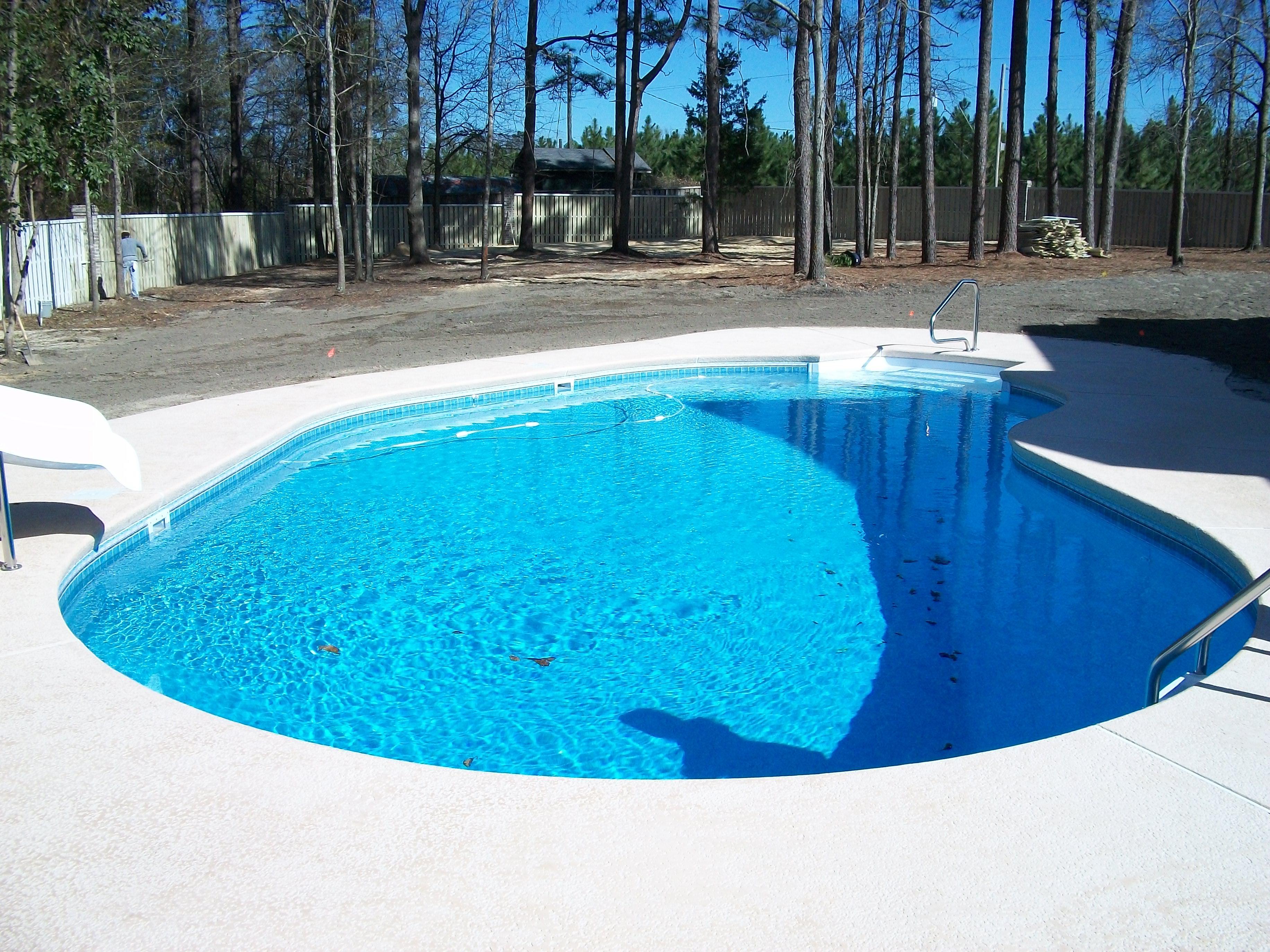 Vinyl Pool | Kidney | 8 foot step | Thompson Pools