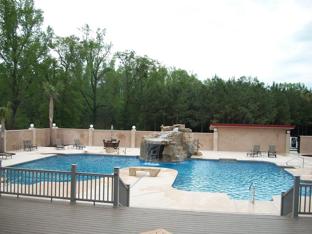 Vinyl Pool | Custom Design | Thompson Pools Statesboro GA