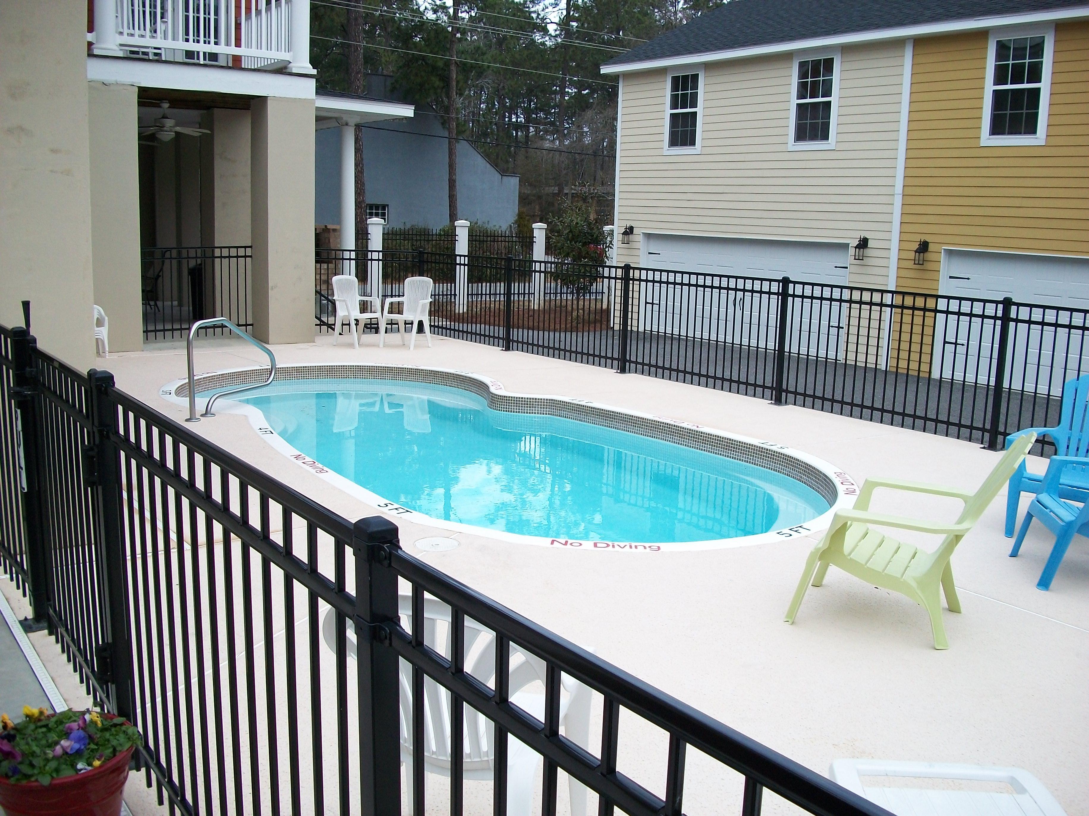 Fiberglass Pool| Commercial Installation| Custom Pool Builder| Patio| Statesboro, Georgia| Thompson Pools