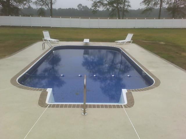 Vinyl Pool| Custom Pool Builder| Simulated Brick Ediging| Patio| Statesboro, Georgia| Thompson Pools